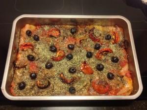 Ovenschotel met ui, tomaat en korst van parmezaan - www.truitjeroermeniet.be
