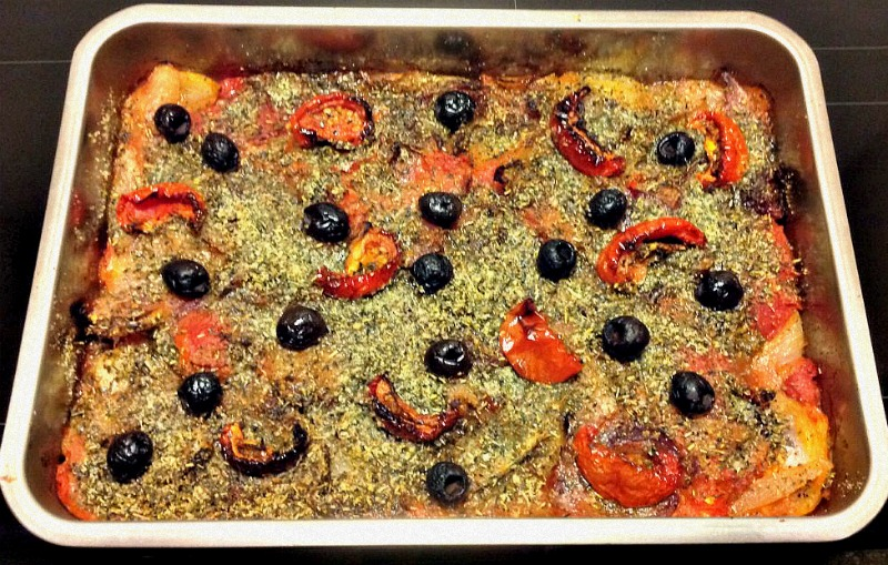 Ovenschotel met ui, tomaat en parmezaankorst - www.truitjeroermeniet.be