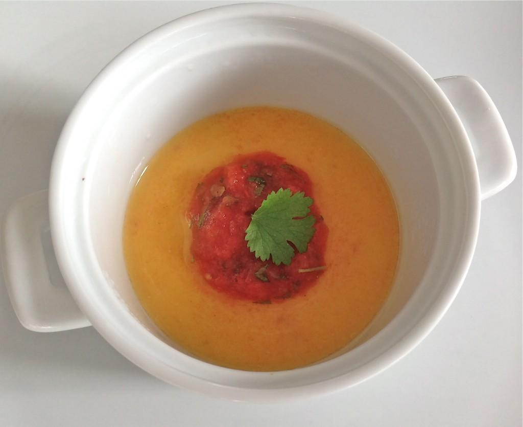 Panna cotta van pompoen met tomatensalsa - truitjeroermeniet.be