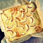 Clafoutis van perziken met geitenkaas – gluten- en suikervrij #voedselzandloper