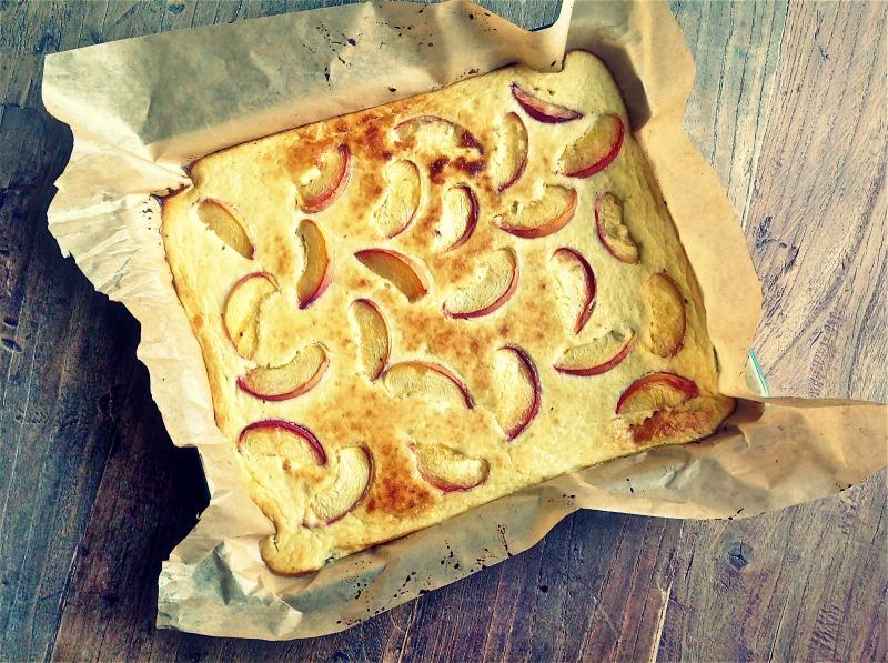 Clafoutis van perziken met geitenkaas - gluten- en suikervrij - www.truitjeroermeniet.be