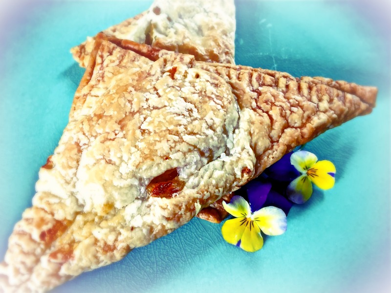 Empanadillas met appel, geitenkaas en honing - www.truitjeroermeniet.be