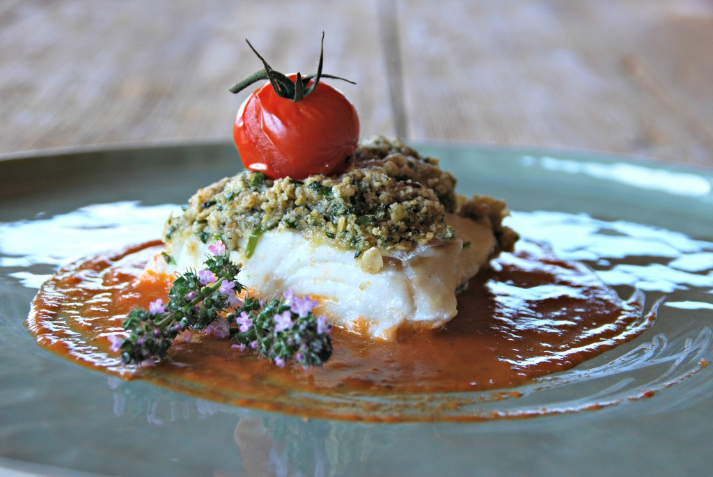 Schelvis met kruidencrumble en tomatencoulis - www.truitjeroermeniet.be