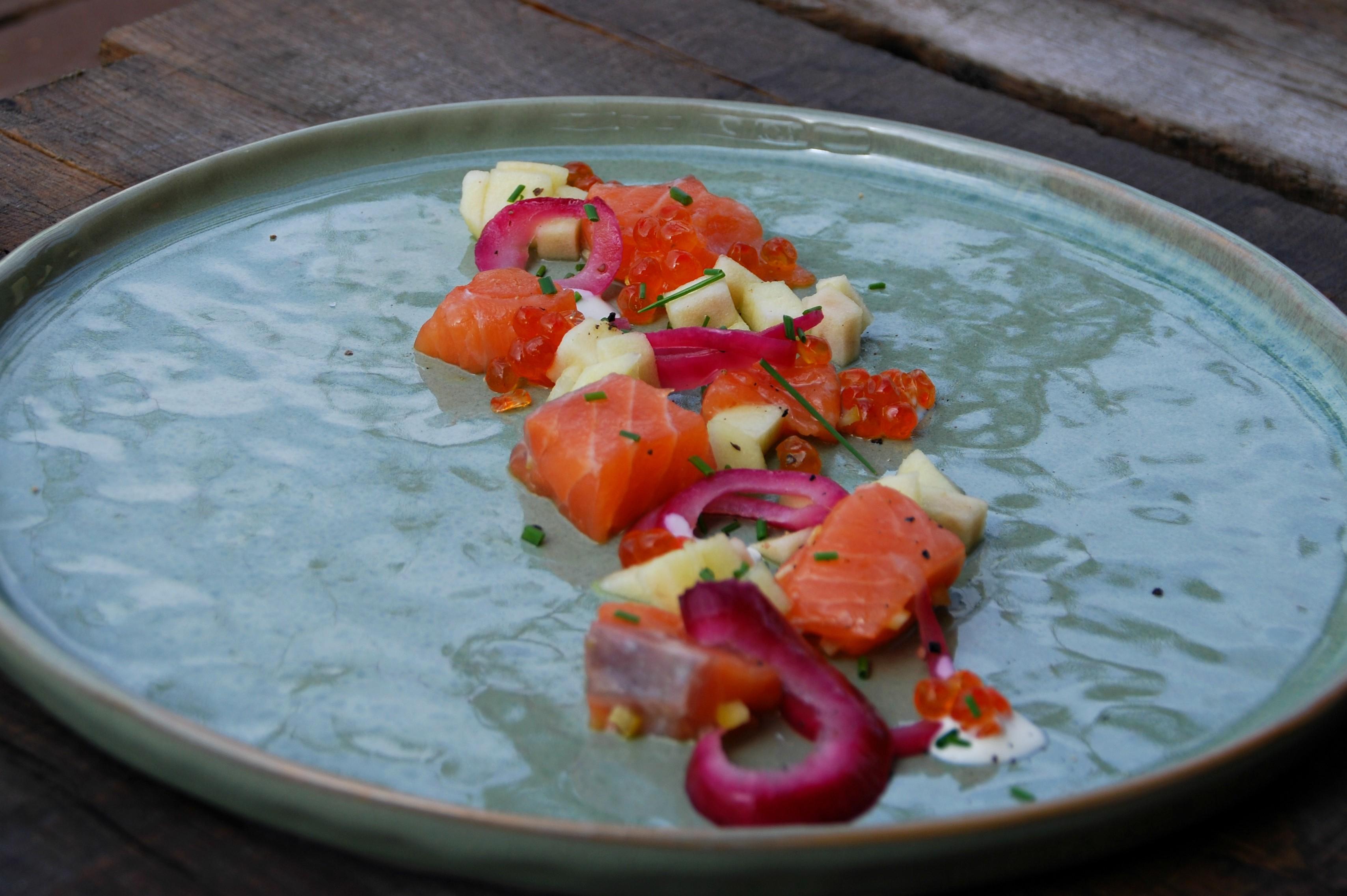 Zalm met appel en rode ui - www.truitjeroermeniet.be