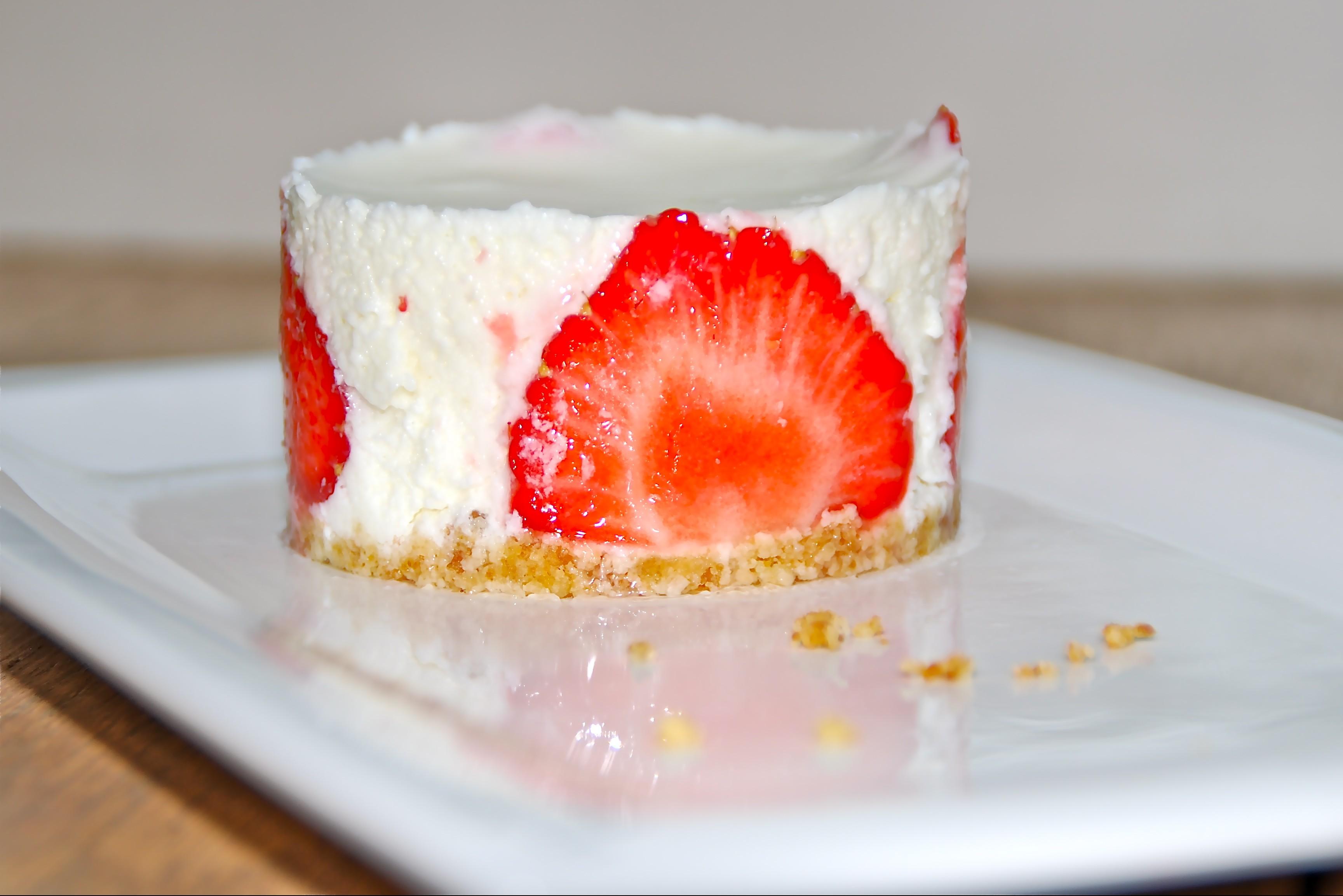 Aardbeientaartjes met yoghurtmousse - www.truitjeroermeniet.be