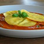 Verse lasagneschijfjes gevuld met ricotta, parmaham en basilicum